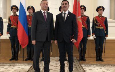 Вячеславу Бутусову вручили звание Заслуженного артиста РФ